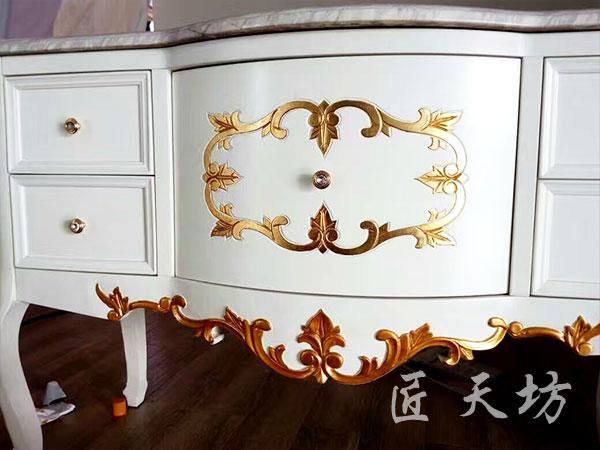浴室柜花边描金2